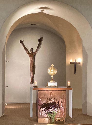 Adoration du Saint Sacrement et Confessions  à l'église